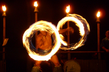 Wailea Beach Resort Marriott Luau fire knife dance