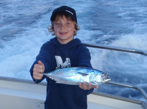 Maui hawaii tours discount specials 4 hr maui bottom for Fishing in maui
