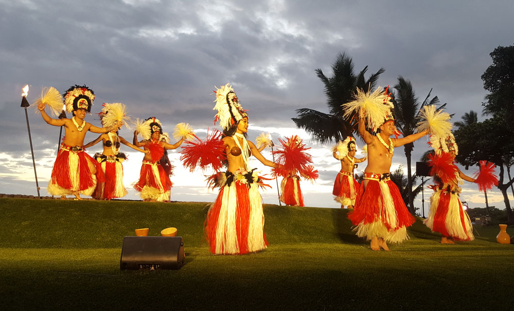 Wailea Beach Resort Marriott Luau Hula Dancers