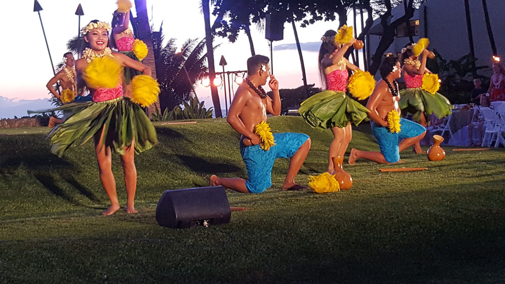 Wailea Marriott Luau Hawaiian Hula Dnacers