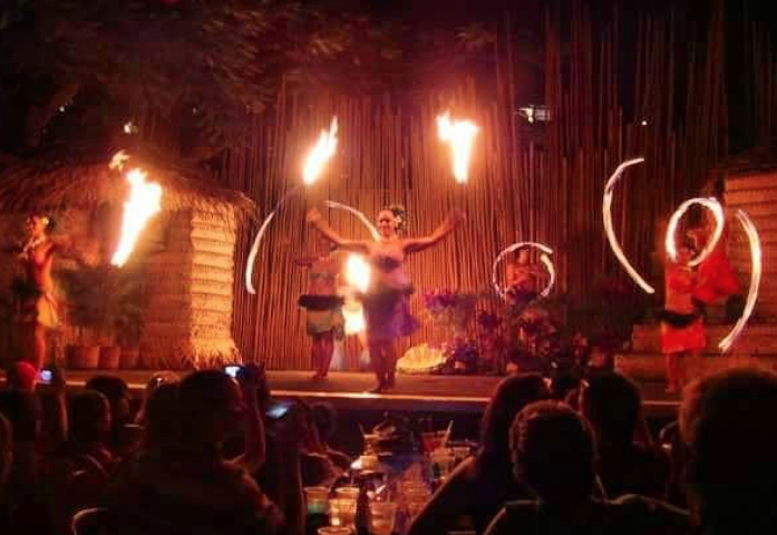 Luau-Fire-Dancers