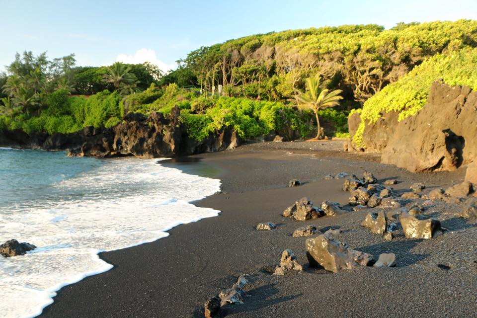 Hana-blacksand-beach